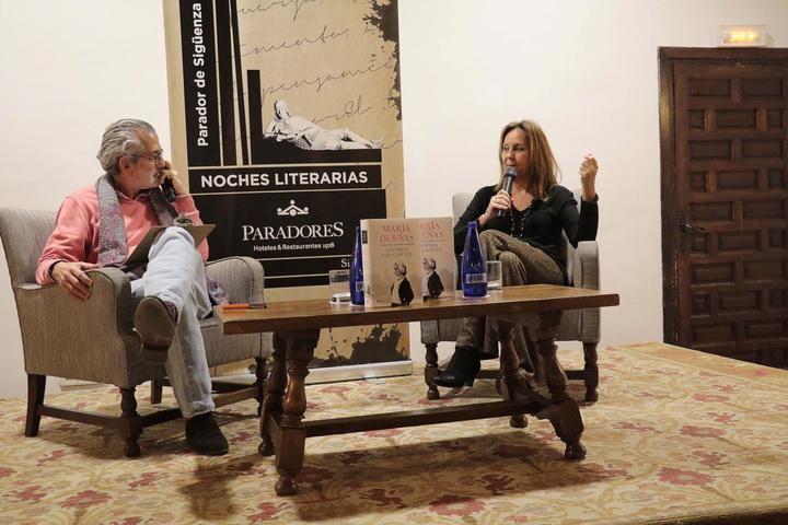 María Dueñas en Sigüenza, su novela 'La Templanza' también se convertirá en serie de televisión