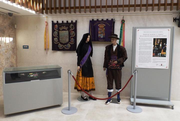 Exposición de indumentaria tradicional en la Posada del Cordón de Atienza hasta finales de abril