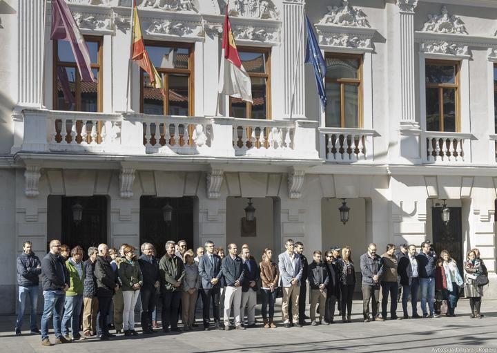 """Román: """"El 11-M será, por mucho tiempo que pase, una fecha marcada en negro de la historia de Guadalajara y España"""""""