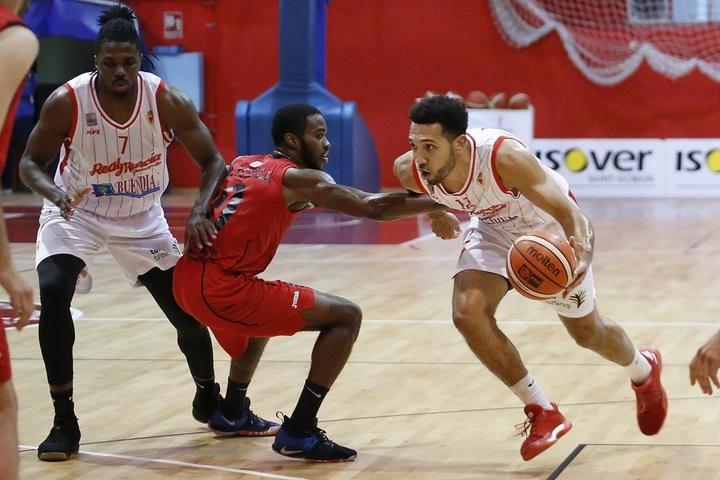 El Isover Basket Azuqeca sigue sin estrenarse en la segunda fase