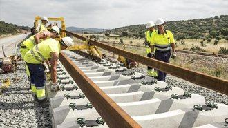 Adif licita la redacción del proyecto de construcción del tramo Alcázar-Manzanares