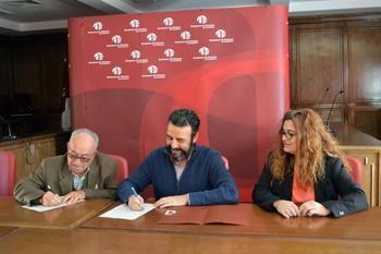 El Ayuntamiento de Azuqueca y la Hermandad de la Virgen de la Soledad firman el convenio anual