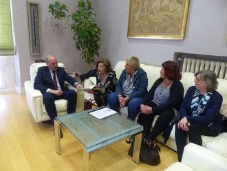 El presidente de la Diputación se reúne con Afammer Guadalajara para conocer sus demandas y mostrarle su apoyo