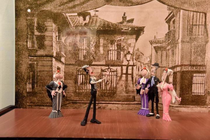 Una exposición de plastilina muestra la historia de la música a través de 20 escenas en el Centro San José de la Diputación