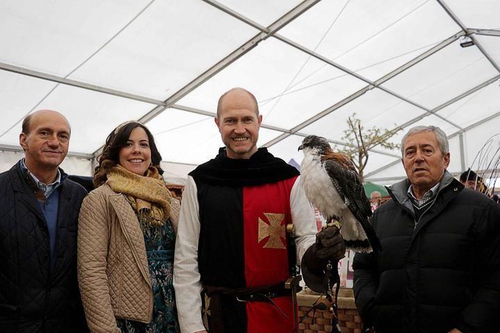 La lluvia no ha evitado el éxito de la Feria Medieval de Pareja