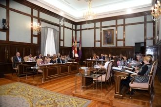 La Diputación destinará 40.000 euros a NIPACE y 150.000 a Cáritas Diocesana para las personas más necesitadas