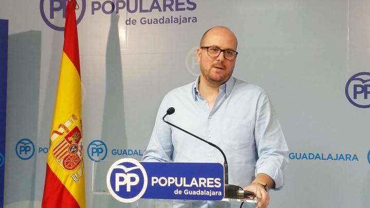 """Lucas Castillo: """"Page ha demostrado que margina de forma premeditada a la provincia de Guadalajara por ser del Partido Popular"""""""