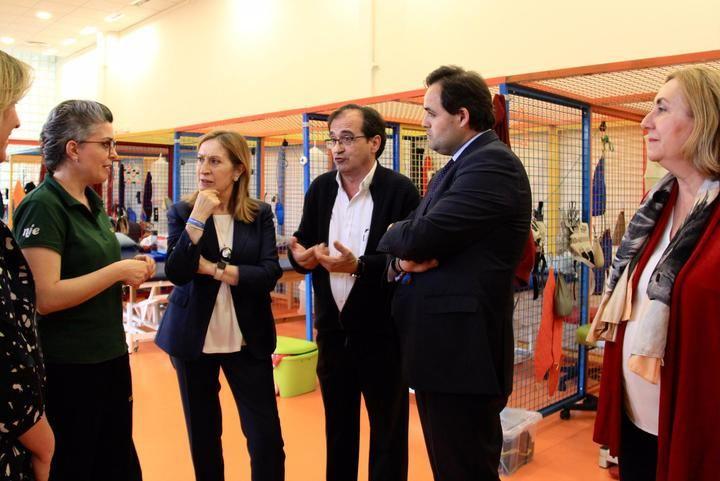 Paco Núñez visita la Fundación Nipace en Guadalajara con la presidenta del Congreso de los Diputados Ana Pastor