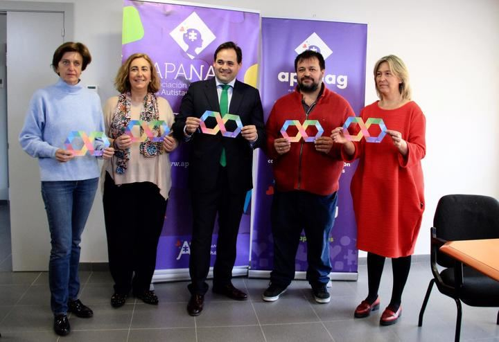 Paco Núñez visita a la Asociación de Padres de Niños Autistas de Guadalajara