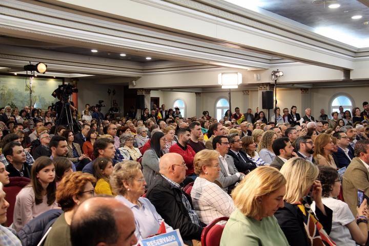 """Pablo Casado se presenta en Ciudad Real como garantía para mantener las pensiones y el candidato de """"las clases medias"""""""