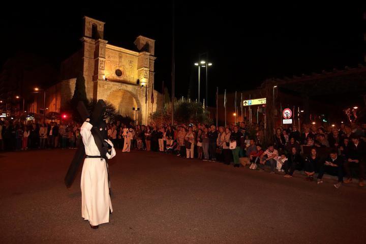 Procesión del Silencio y Santo Entierro del Viernes Santo en Guadaalajara. Foto : Eduardo Bonilla