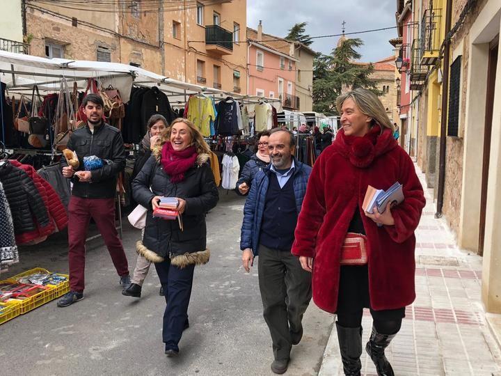 """Valmaña y Guarinos, de campaña """"Puerta a puerta"""" en Molina de Aragón"""