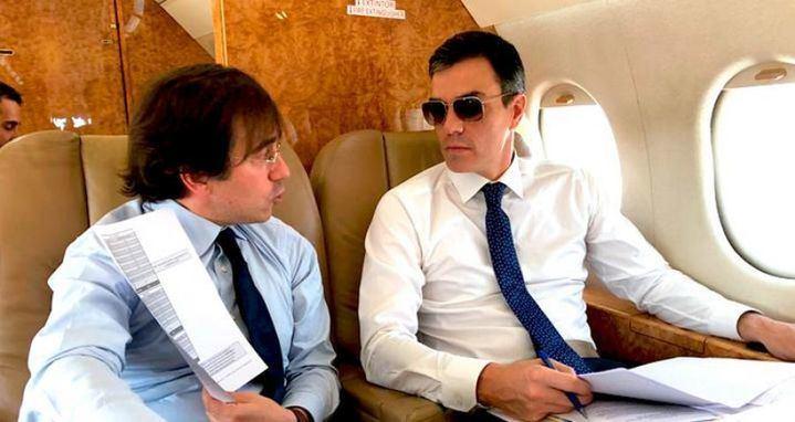 """El PSOE intenta """"parar el golpe"""" y lleva a la Fiscalía la imagen de las hijas del presidente pese a no ser de la campaña oficial de """"Falcon Viajes"""""""