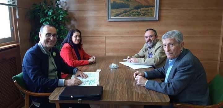 Antonio de Miguel traslada a los responsables de APAG una amplia batería de medidas que VOX