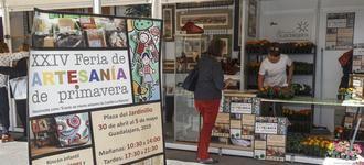 Desde hoy y hasta el domingo, la plaza del Jardinillo acoge la nueva edición de la Feria de Artesanía de Primavera