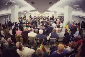 Los candidatos de VOX se dan un baño de masas en el Hotel Pax de Guadalajara