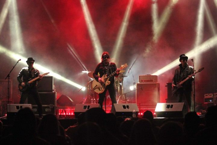 Noche de viejos rockeros en las Fiestas del Cristo de Cabanillas