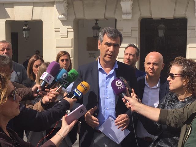 Román anuncia ayudas al alquiler para los jóvenes menores de 35 años de hasta 1.200 euros al año