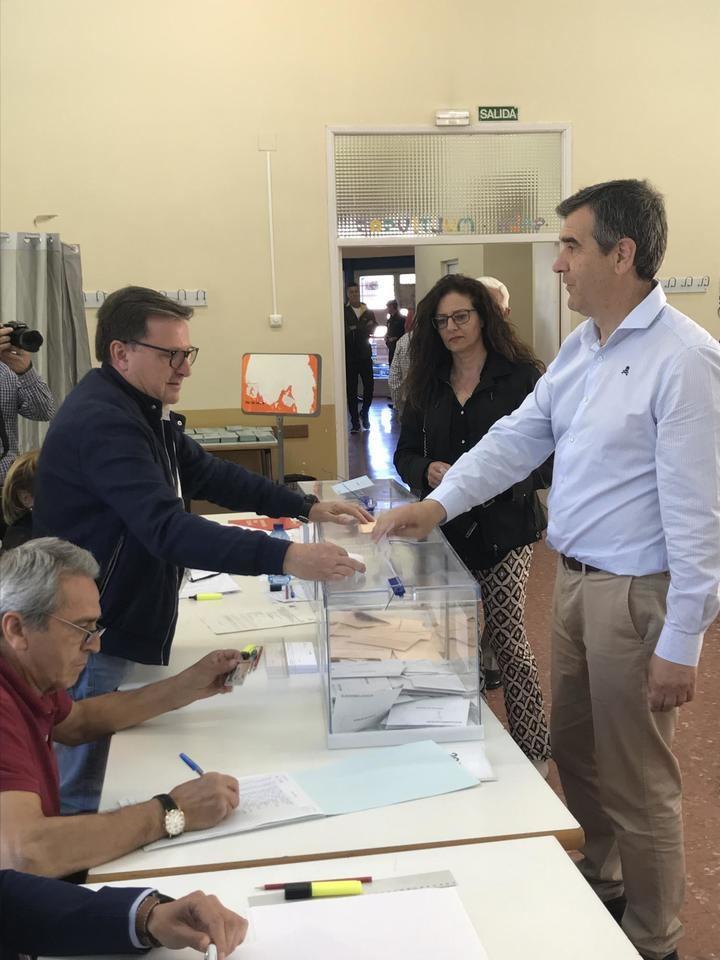 Román anima a los guadalajareños a que acudan a votar para que haya una participación elevada