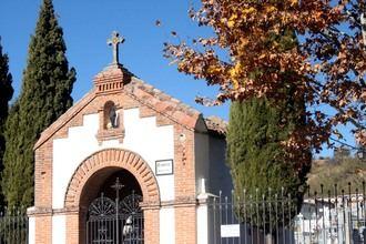 Roban las cruces de metal de unas 61 tumbas del cementerio de Cabanillas