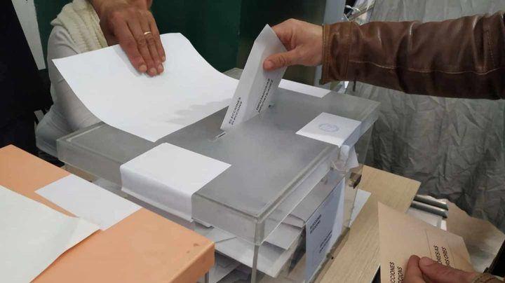 A las 14 horas, cae la participación en Guadalajara al 35,40% (35,78% en 2015) y se coloca en el 37,54% en CLM (10 puntos menos que las generales)