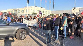 Toda la plantilla de Mercedes en Azuqueca secunda el segundo día de huelga
