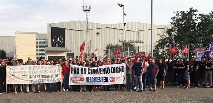 Un preacuerdo hace que se suspenda la huelga de la plantilla de Mercedes en Azuqueca de Henares