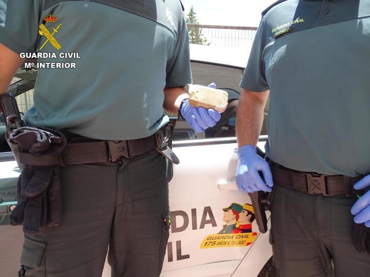 La Guardia Civil detiene a una persona por tráfico de drogas en Riba de Saelices