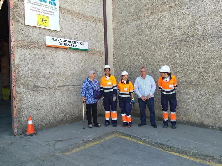 Cruz Roja Guadalajara visita a las trabajadoras de su Plan de Empleo en la Planta de Residuos de Torija