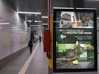 La Diputación de Guadalajara promociona la Arquitectura Negra en las calles e intercambiadores de Madrid