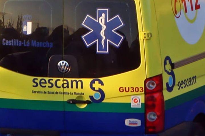 Trasladan en UVI a un hombre al Hospital de Guadalajara tras un accidente en la A-2 que provoca otros cinco heridos más