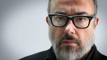 Álex De La Iglesia va a rodar en Castilla-La Mancha un nuevo proyecto para HBO que se llamará... '30 Monedas'