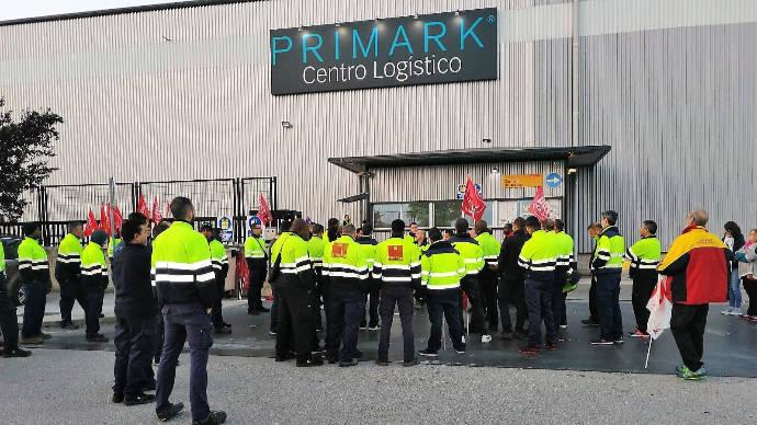 Seguimiento masivo de la huelga convocada en la plataforma que Primark tiene en Torija