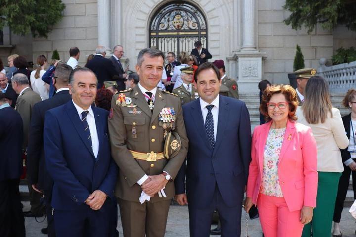 Paco Núñez asiste al Acto de Juramento a la Bandera de España en Toledo