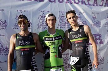 Fernando Zorilla y Tania Fernández se imponen en el XII triatlón de Pareja