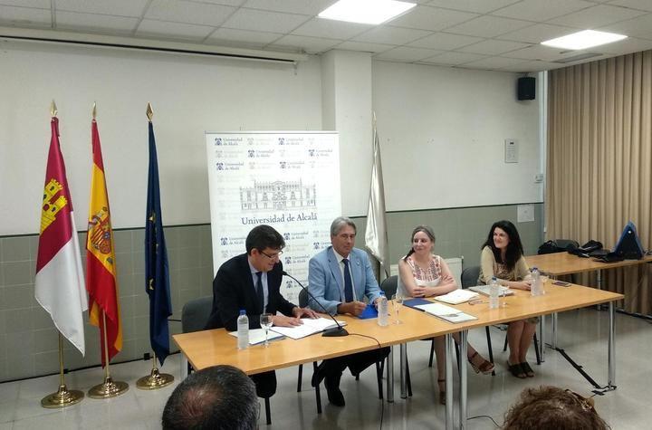 Presentada la nueva Cátedra de Investigación 'Isabel Muñoz Caravaca' en la Universidad de Alcalá