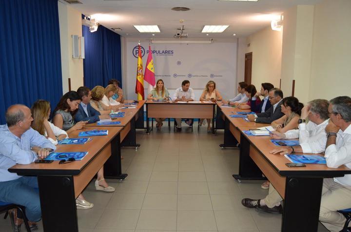 Núñez basará el plan de trabajo del PP-CLM para los próximos meses en la presencia en todas las localidades dela región y en la especial relevancia de los grupos de las diputaciones provinciales