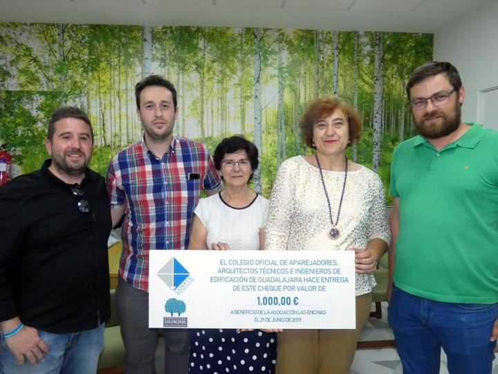 La Asociación Las Encinas, beneficiaria de la donación anual del Colegio de Aparejadores de Guadalajara