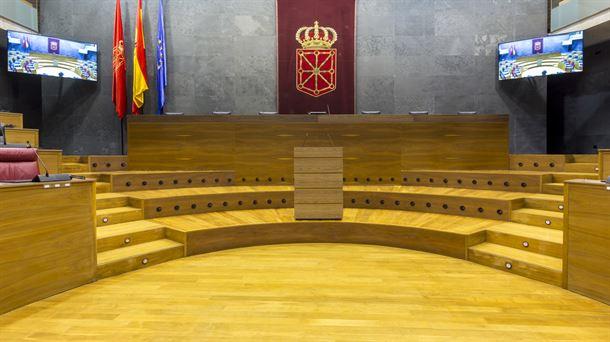 Los socialistas votan con Bildu entregar a los nacionalistas de Geroa Bai el Parlamento navarro
