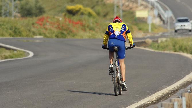 'Pillan' a un ciclista circulando con una tasa de alcoholemia casi cuatro veces por encima de la permitida