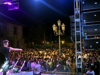 Masiva afluencia de público durante las fiestas de San Pedro en Yunquera de Henares