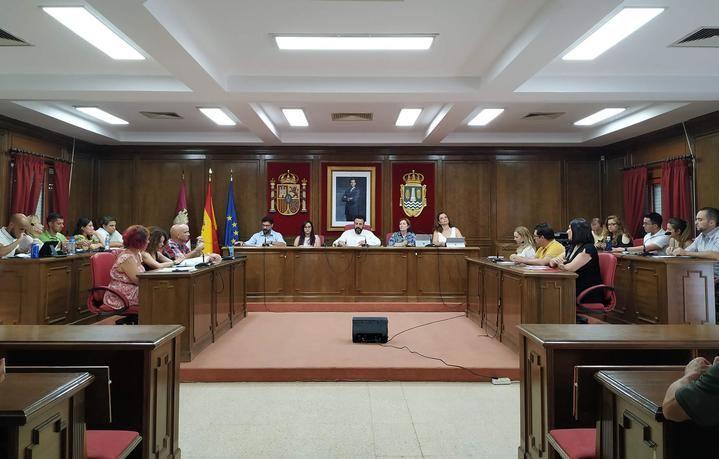 Toda la oposición vota en contra del reparto de 'jornalillos' de los concejales en el ayuntamiento de Azuqueca, regido por el socialsita Jose Luis Blanco