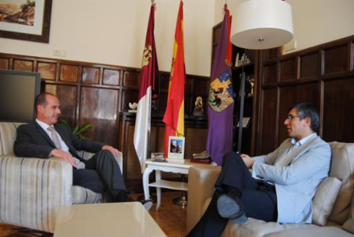 El alcalde de Guadalajara se reúne con el subdelegado del Gobierno