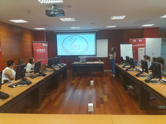 Alumnos del curso de actividades de venta organizado por CEOE-Cepyme visitan el CEEI Guadalajara