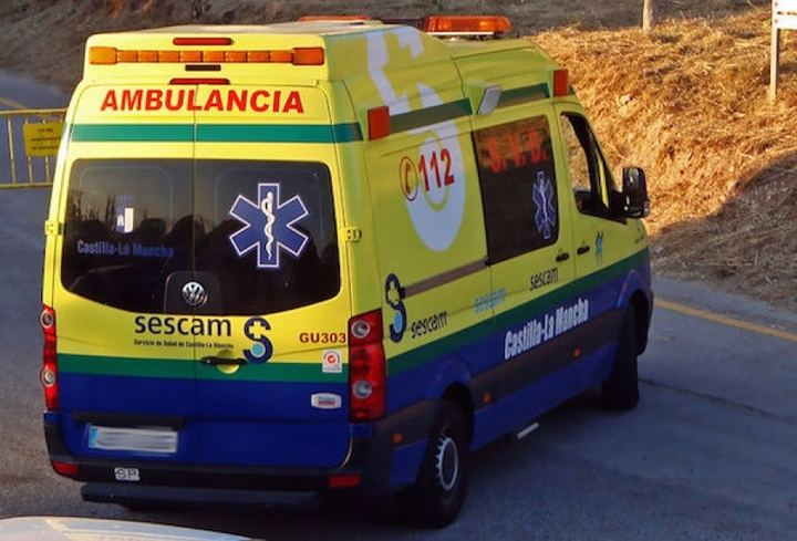 Dos hombres y una mujer heridos en un accidente en Molina de Aragón