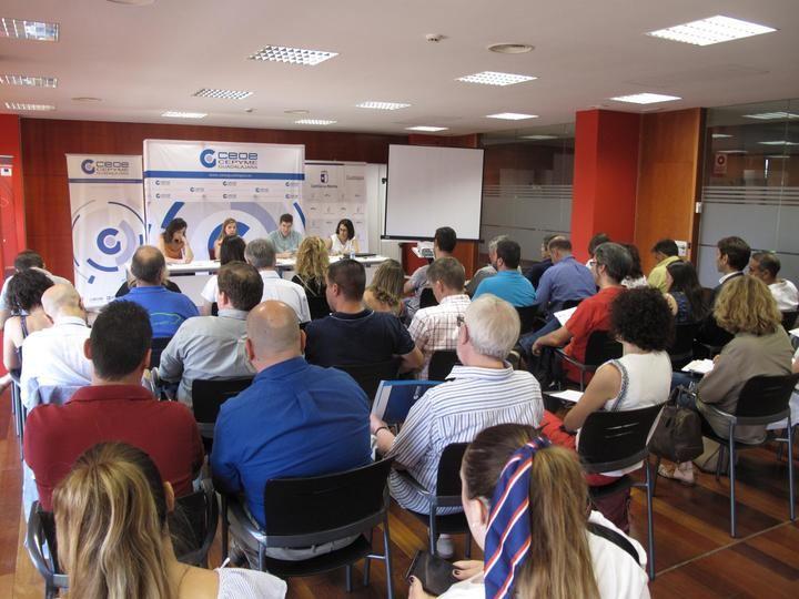 Medio centenar de empresarios se informan sobre el Plan Integrado de Residuos de Castilla-La Mancha