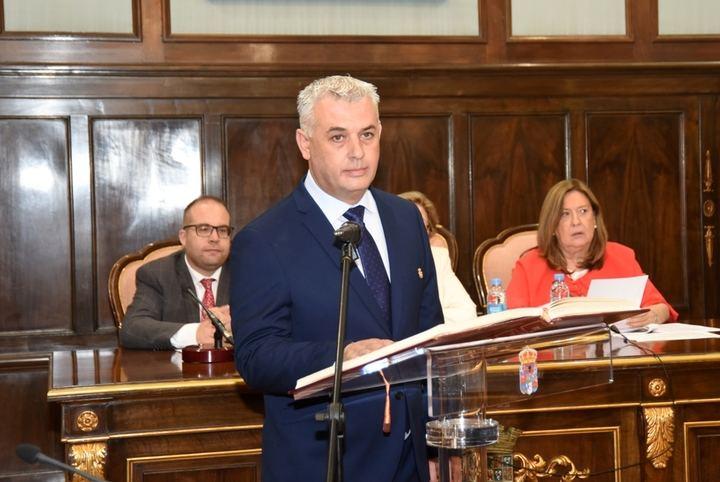 El socialista José Luis Vega es elegido presidente de la Diputación de Guadalajara gracias al apoyo de Ciudadanos