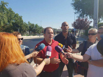 Carnicero afirma que el Ayuntamiento vive de las inversiones planificadas de Román