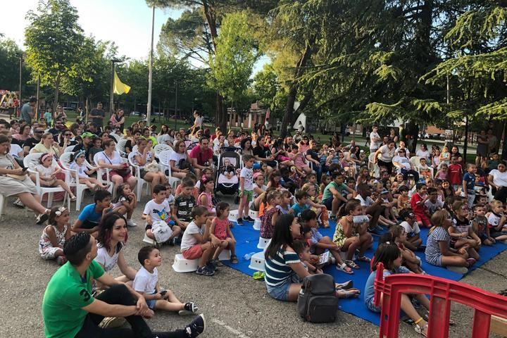 Primera parada del festival 'Titiriqueca' en el parque de La Constitución