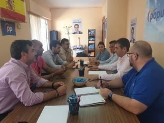 El senador Antonio Román recoge las propuestas del Corredor del Henares para trasladarlas a la Cámara Alta